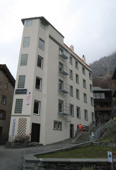 011 Le Petit Hotel.jpg