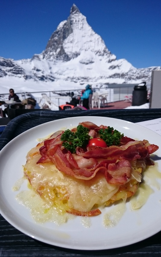 034 Tuesday lunch on the slopes - Swiss potato with cheese and bacon and Matterhorn