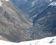 049 Zermatt from the slopes