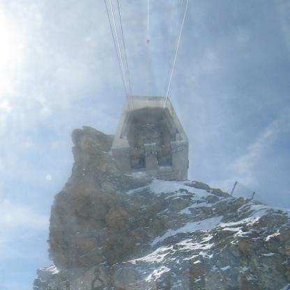 053 Cable car landing