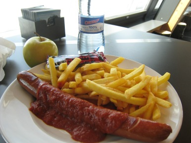 063 Wednesday lunch on the slopes - Currywurst, fries.jpg