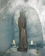 082 Shrine in the ice