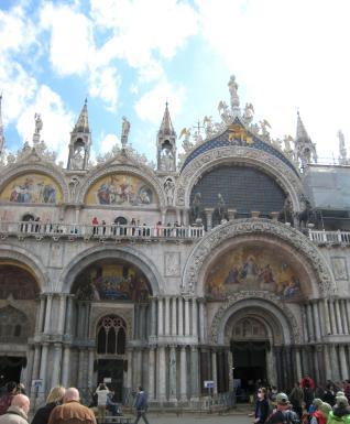 305 San Marco