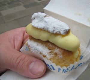 339 Creamy snack