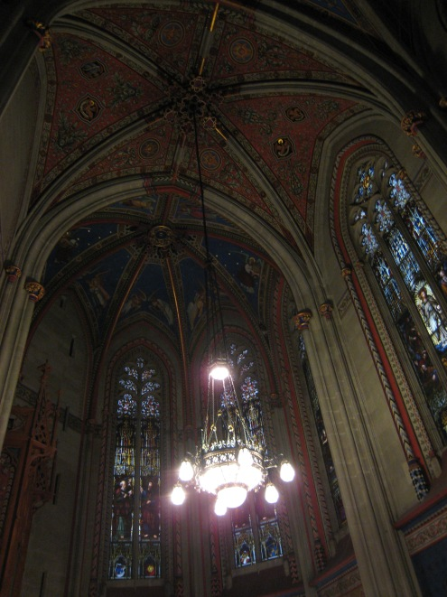 PIC_0031 Cathedral Ceiling.jpg