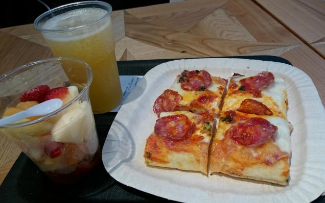 1062 Lunch - Spicy Pizza, Fruit, Fanta