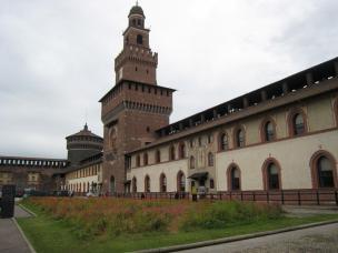 1071 Castle Courtyard