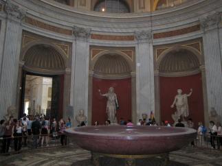 1358 Statues