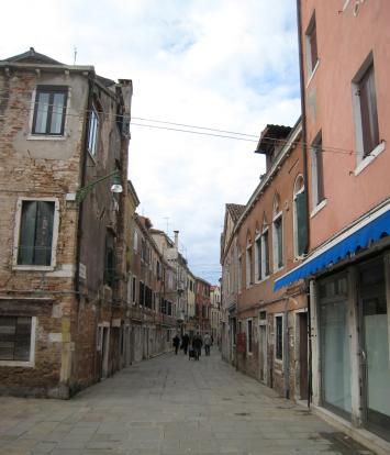 482 Quiet street