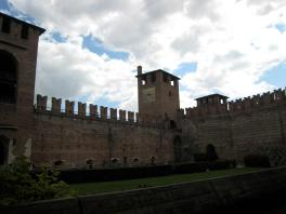 609 Scaligere Castle