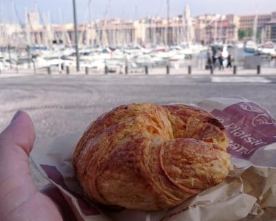 1594 Second Breakfast - Croissant