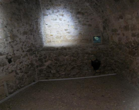 1668 Edmond Dantes Cell with Tunnel