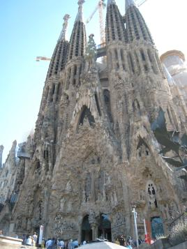 1722 La Sagrada Familia Back