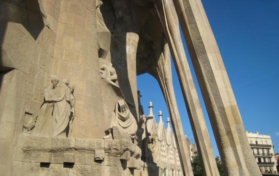 1748 Statues